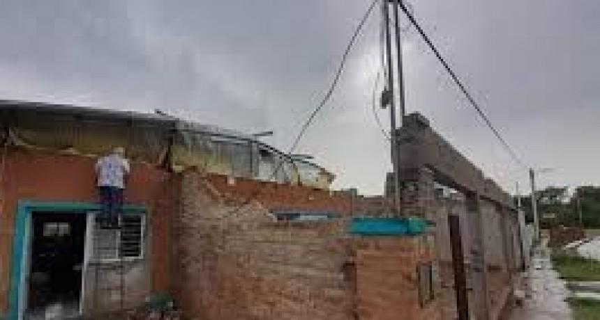 Un fuerte temporal de viento y lluvias azotó a Coronel Du Graty