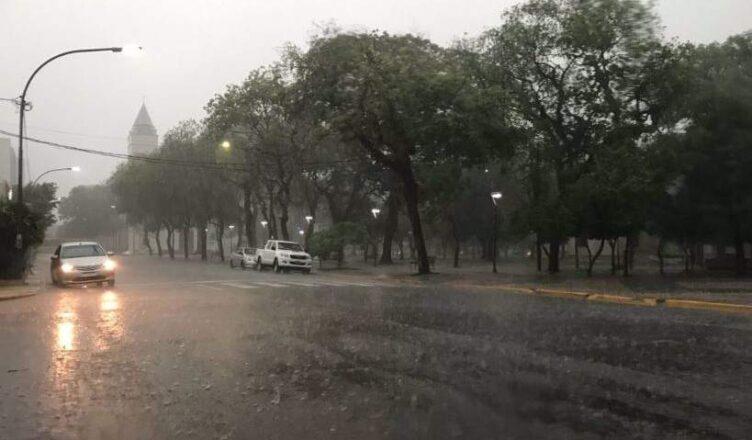 Alerta naranja en gran parte de la provincia por fuertes tormentas